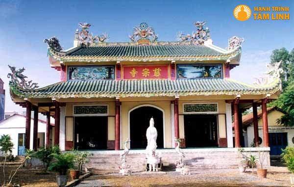 Chính điện chùa Từ Tôn