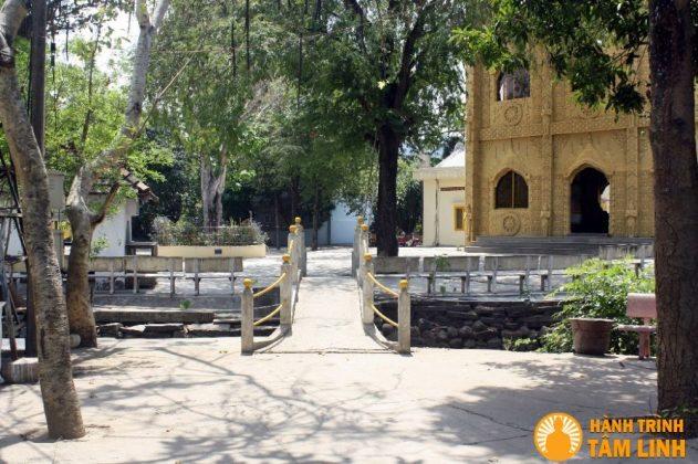 Khuôn viên chùa Bửu Đức