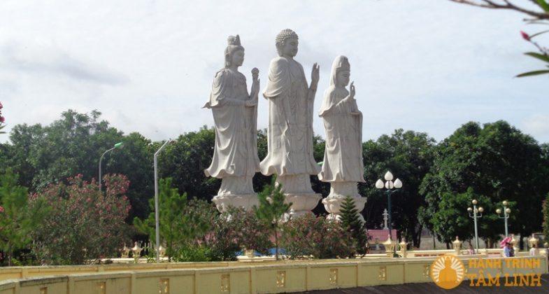 Tượng Phật khổng lồ lớn nhất Việt Nam tại chùa Đại Tòng Lâm