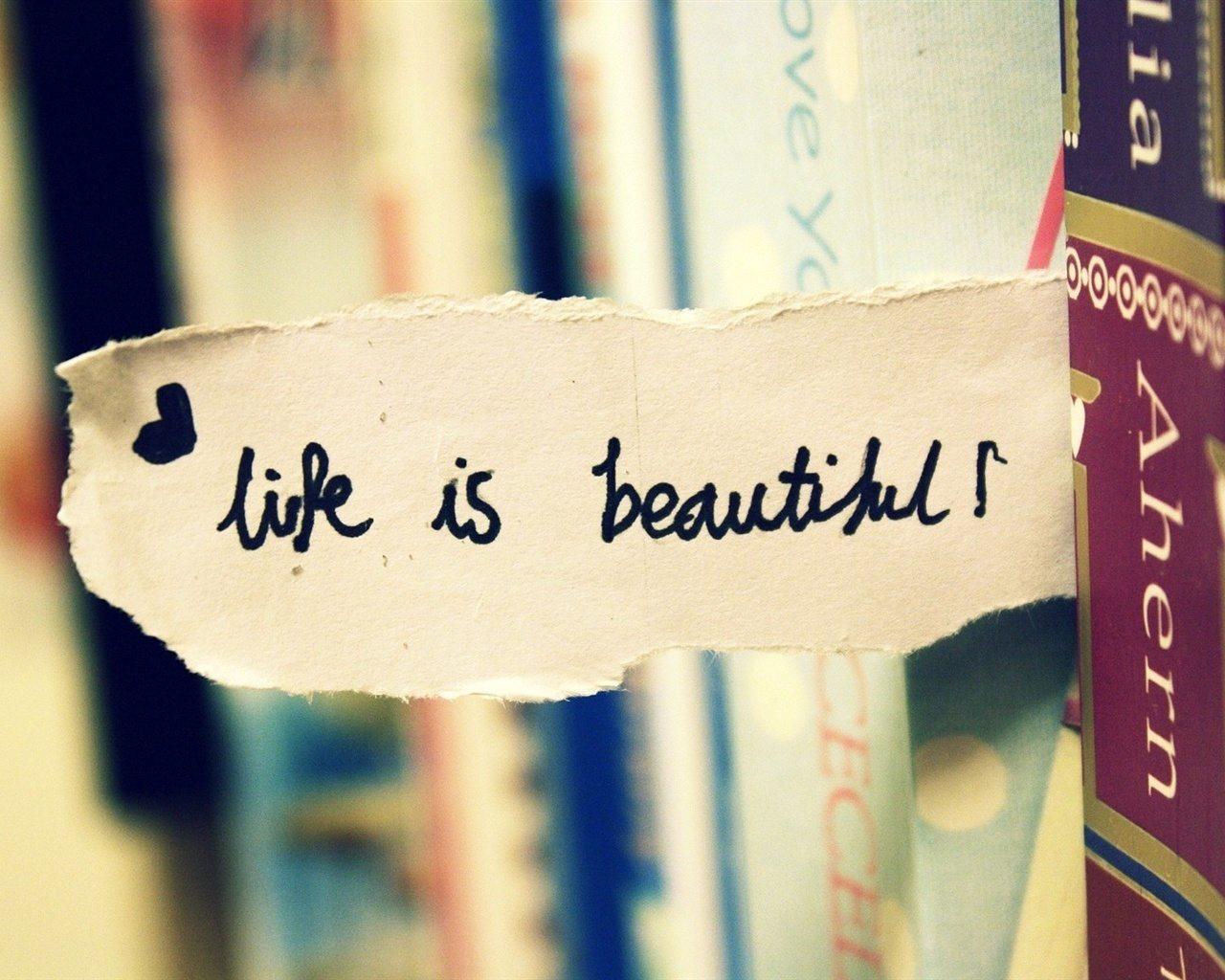 Cuộc sống đâu phải lúc nào cũng màu hồng