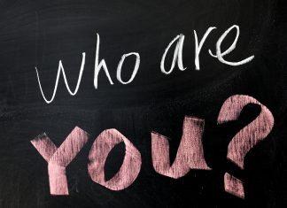10 gợi ý trả lời cho câu hỏi bạn là ai?