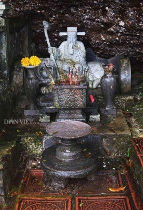 Bàn thờ sơn thần chùa Bảo Sái