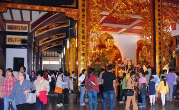 Đi chùa lễ Phật như thế nào cho đúng?