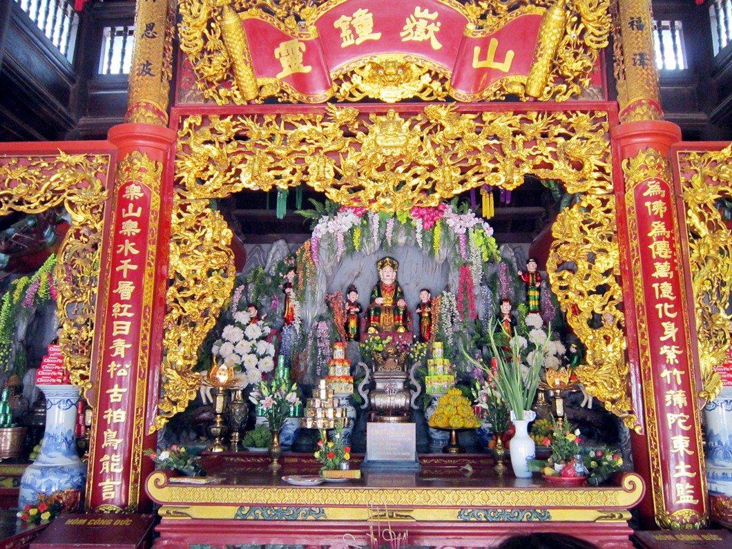 Điện thờ Liễu Hạnh công chúa ở Phủ Tây Hồ