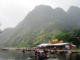 Chùa Thanh Sơn - Động Hương Đài