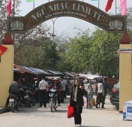 Đền Trình - Quần thể di tích chùa Hương