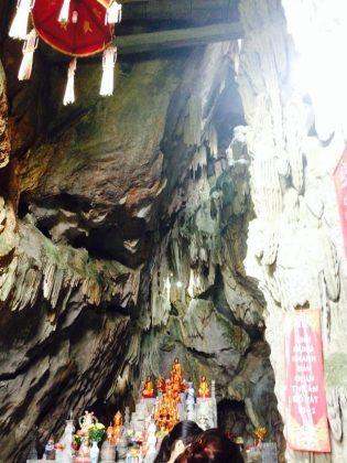 Động Hinh Bổng – Quần thể di tích chùa Hương