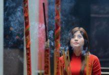 Văn khấn cầu công danh ở chùa Hương