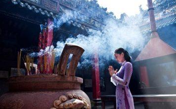 Văn khấn cầu duyên ở chùa Hương