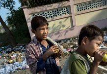 Trẻ em nghèo