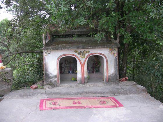 Cảnh quan chùa Ba Vàng 2007