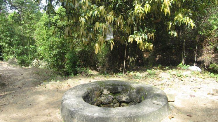 Giếng cổ chùa Ba Vàng
