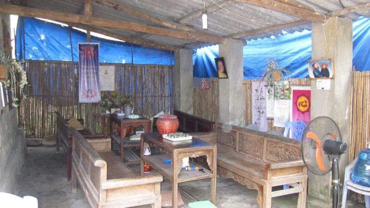 Phòng khách chùa Ba Vàng (2007)