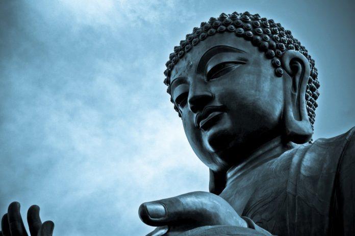 Thần Phật hành sự cũng là thuận theo Pháp tắc và quy luật thống nhất của vũ trụ.