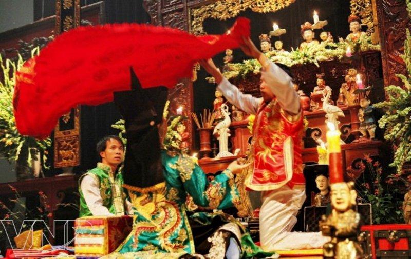 Image result for hầu đồng